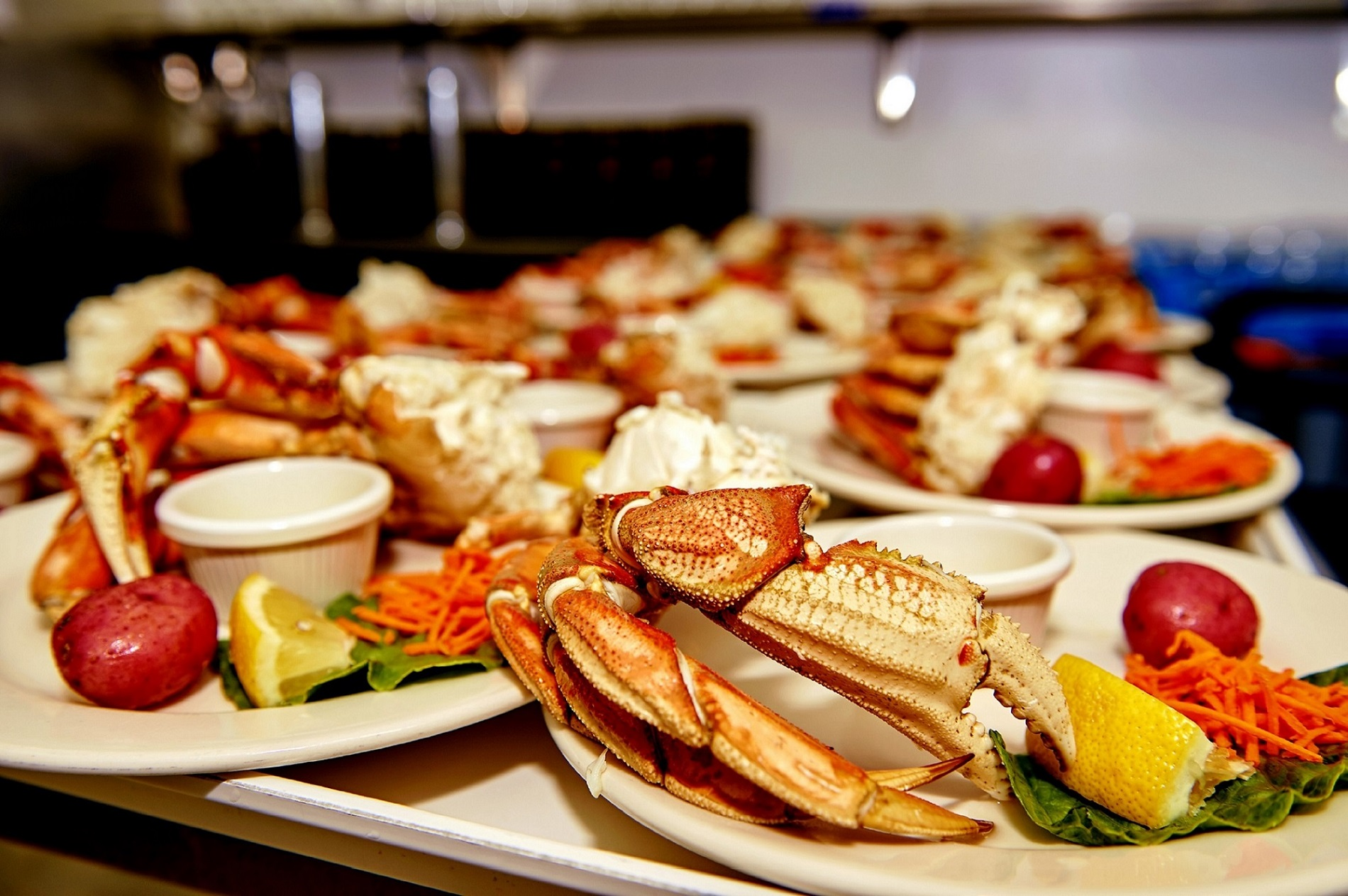 https://www.kawanti.com/wp-content/uploads/2020/02/Crab-Feast-Tray-of-Crab.jpg